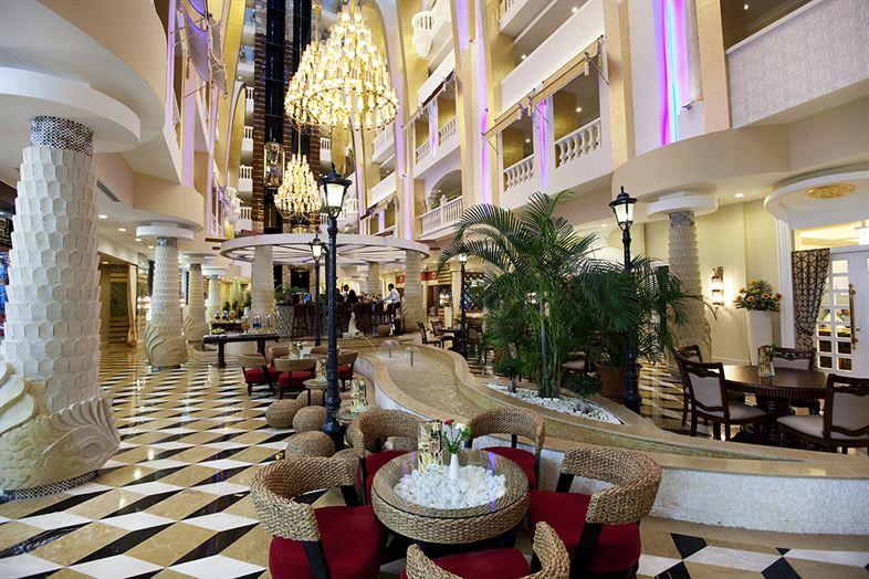 Granada Luxury Resort