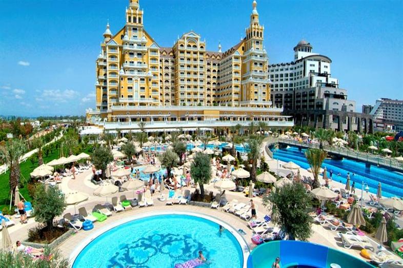 Hotel Royal Holiday Palace