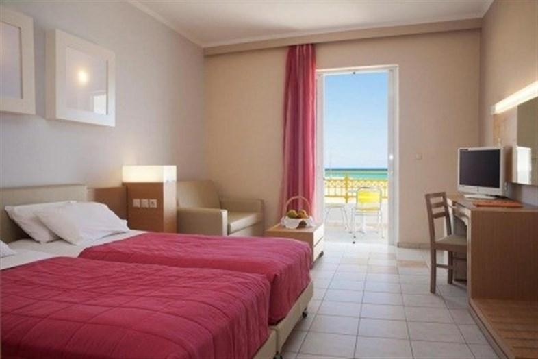 Hotel Sovereign Beach